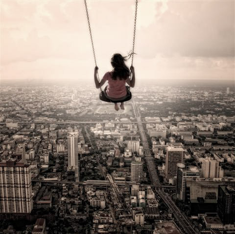 swinging_above_the_city_20160826